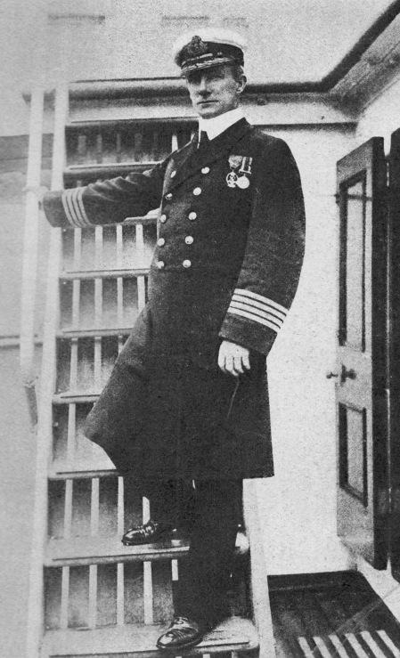 Capt._Arthur_H._Rostron,_R.D.,_R.N.R